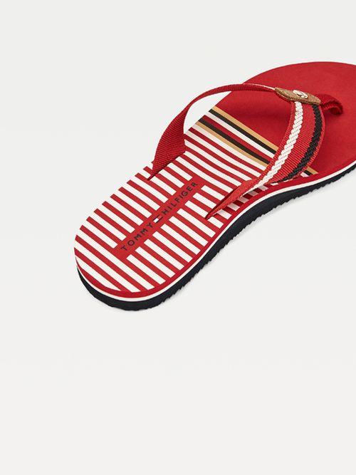 Chanclas-distintivas-con-detalle-de-cuerdas-bordado-Tommy-Hilfiger