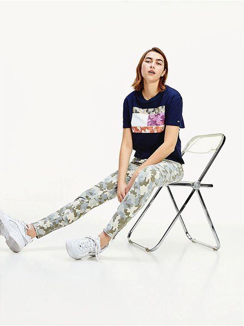 Camiseta-de-corte-cropped-con-logo-Tommy-Hilfiger