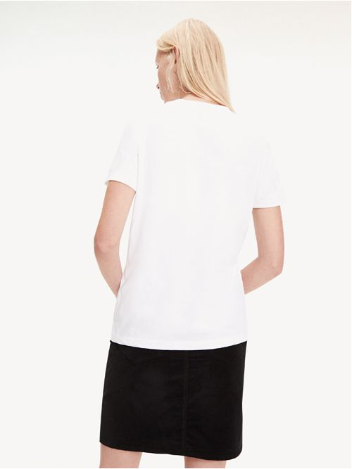 Camiseta-con-logo-de-purpurina