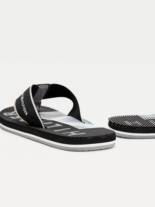 MASSAGE-FOOTBED-BEACH-FLIPFLOP