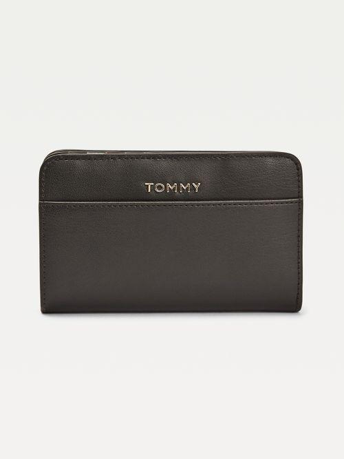 ICONIC-TOMMY-MED-ZA