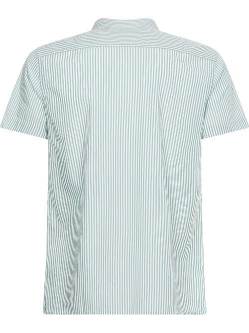 Camisa-de-rayas-con-manga-corta